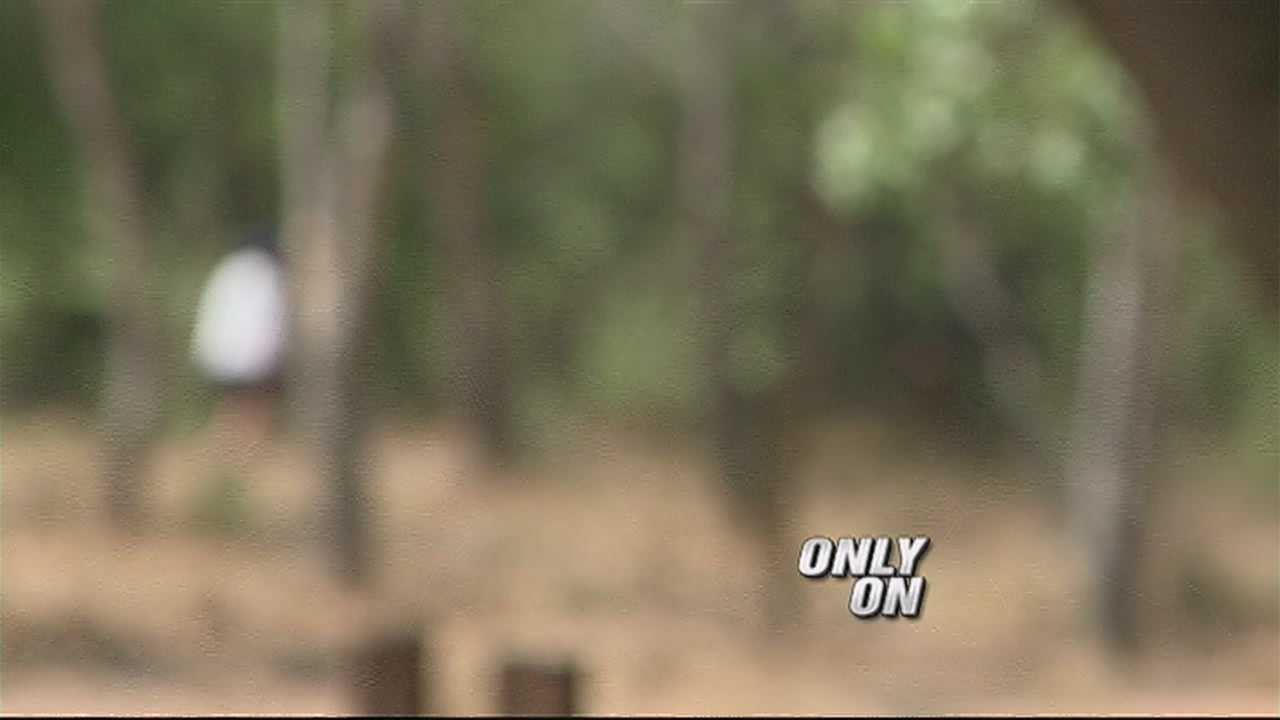 Police search for naked runner in the Bosque