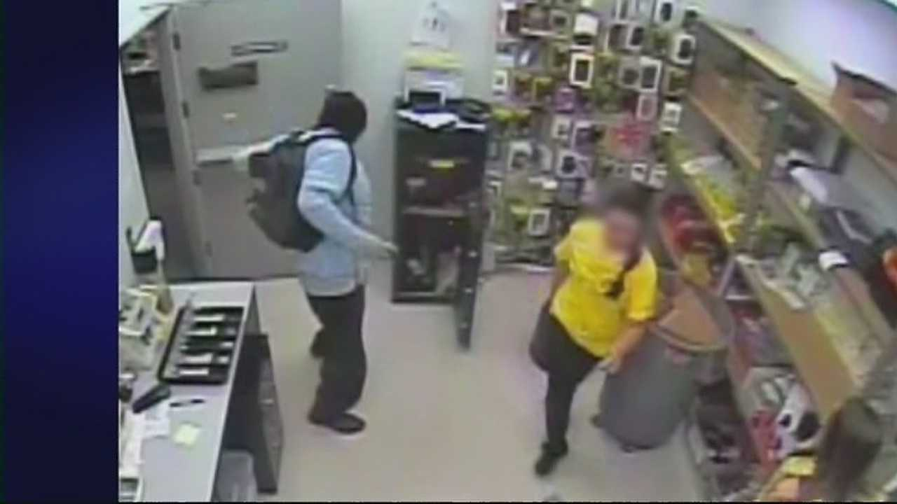 img-Santa Fe Police looking for armed robber