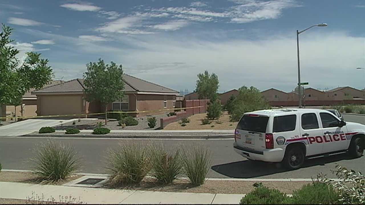 img-Albuquerque police say homeowner shot intruder