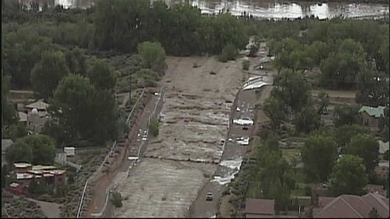 img-Albuquerque police close all public entrances to the Bosque