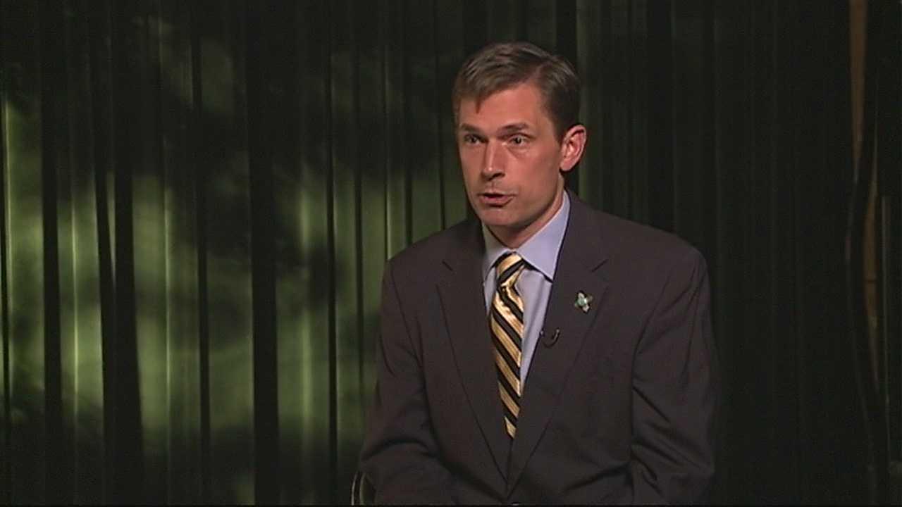 img-Senator Heinrich talks about the shutdown
