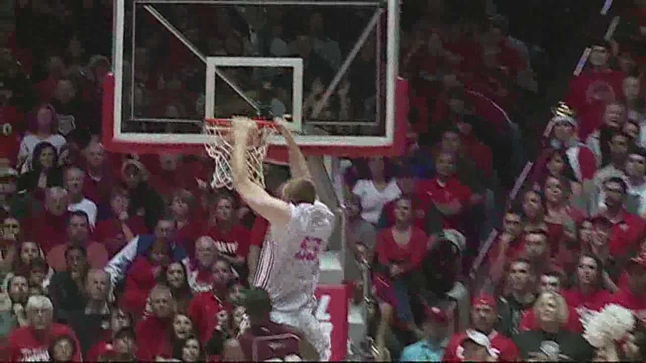 New Mexico Lobos slam Alabama A&M in season opener