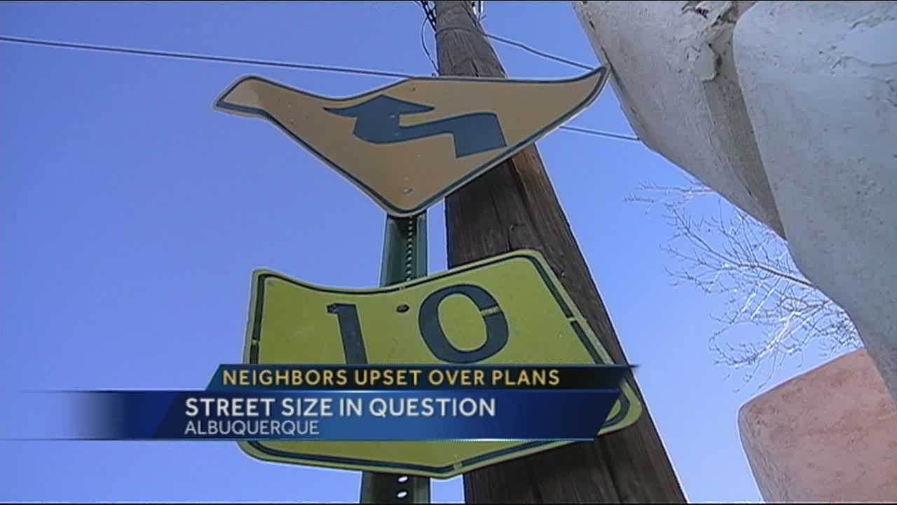 Residents argue against school emergency route