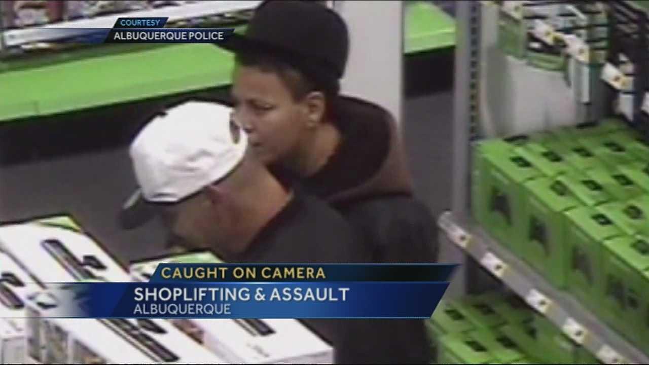 Shoplifter Pulls a Knife