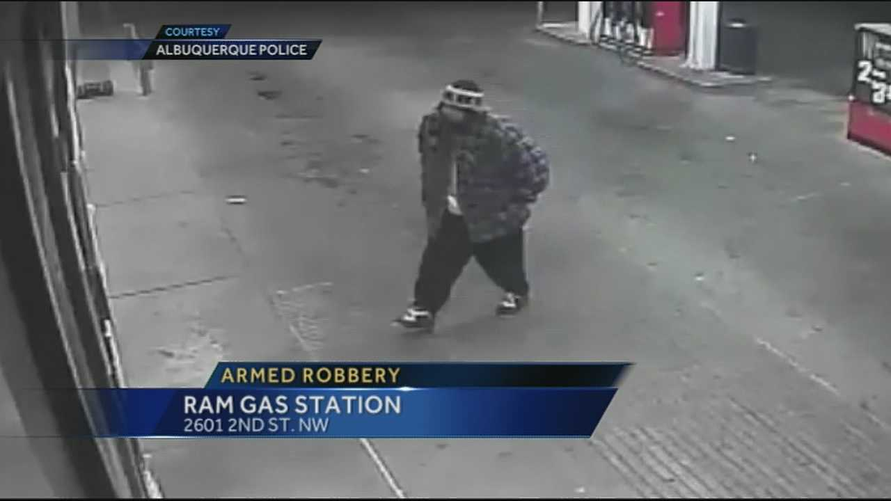 Albuquerque police seek armed robber