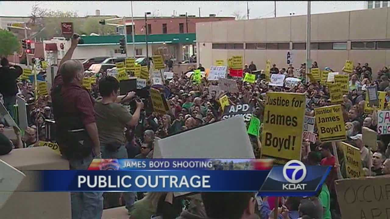 Hundreds hit streets of downtown Albuquerque