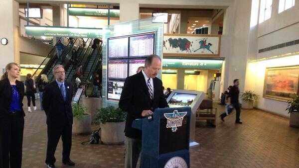 Mayor Makes Alaska Airlines announcement