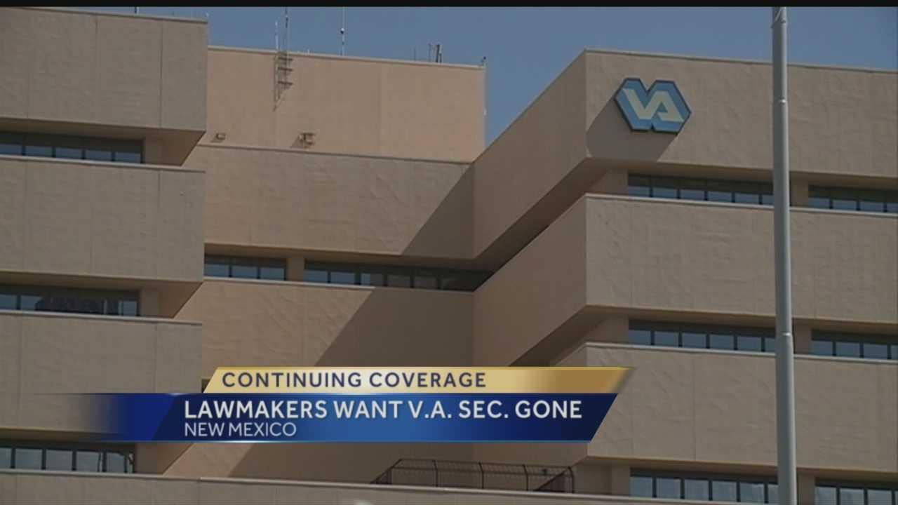 Pressure mounting on Veterans Affairs secretary
