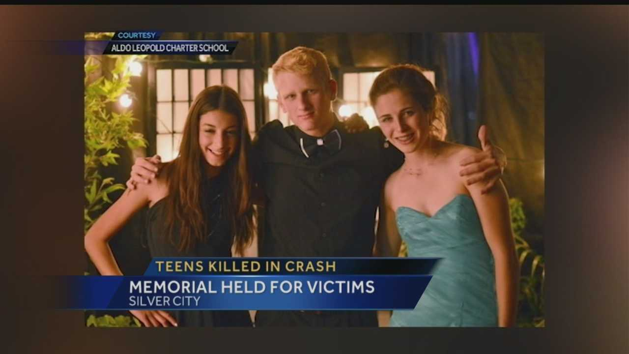 A community continues to mourn four lives lost in a plane crash near Silver City.