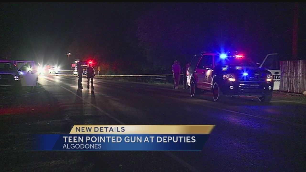 New details: Teen pointed gun at deputies