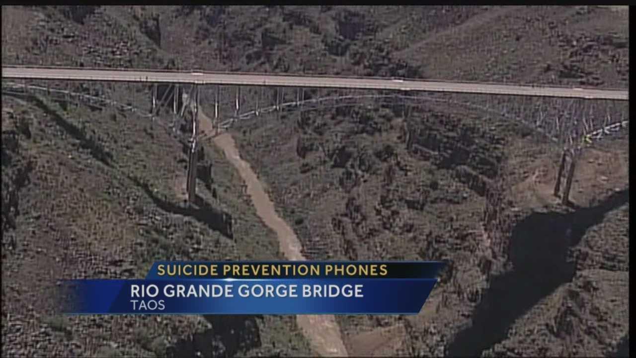 Anti-suicide phones planned for Rio Grande Gorge Bridge