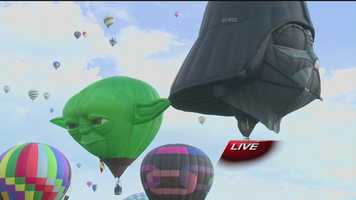 See spectacular images from Saturday's Balloon Fiesta mass ascension.