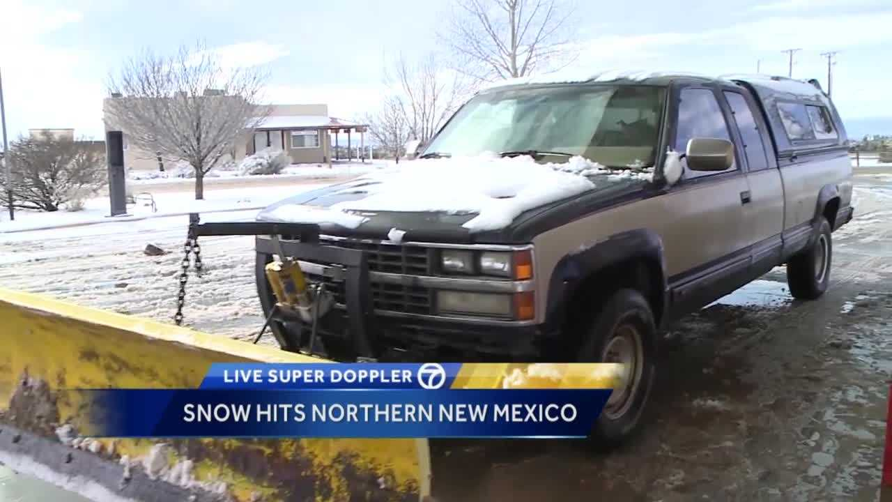 Man uses his own snow plow to help neighbors
