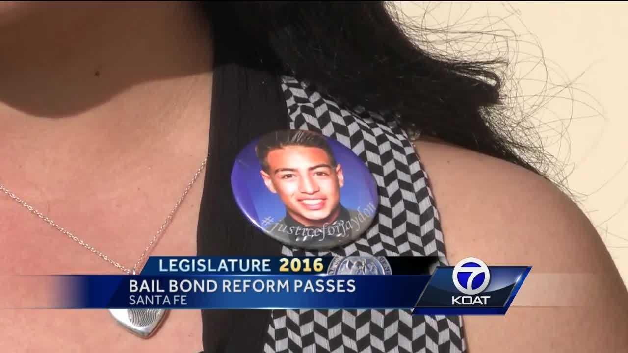 Lawmakers send proposed bond amendment to voters