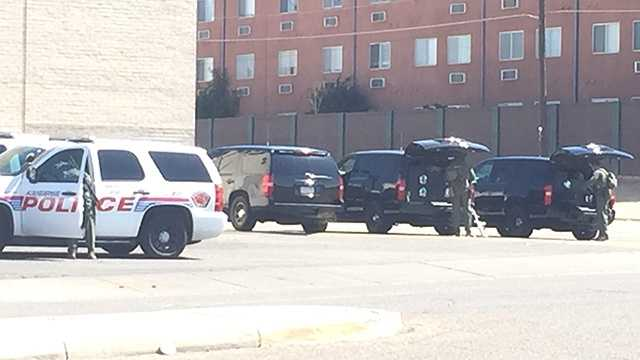 Man surrenders in Albuquerque after SWAT team called in