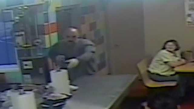 VIDEO: Man robs iconic ABQ restaurant with shotgun