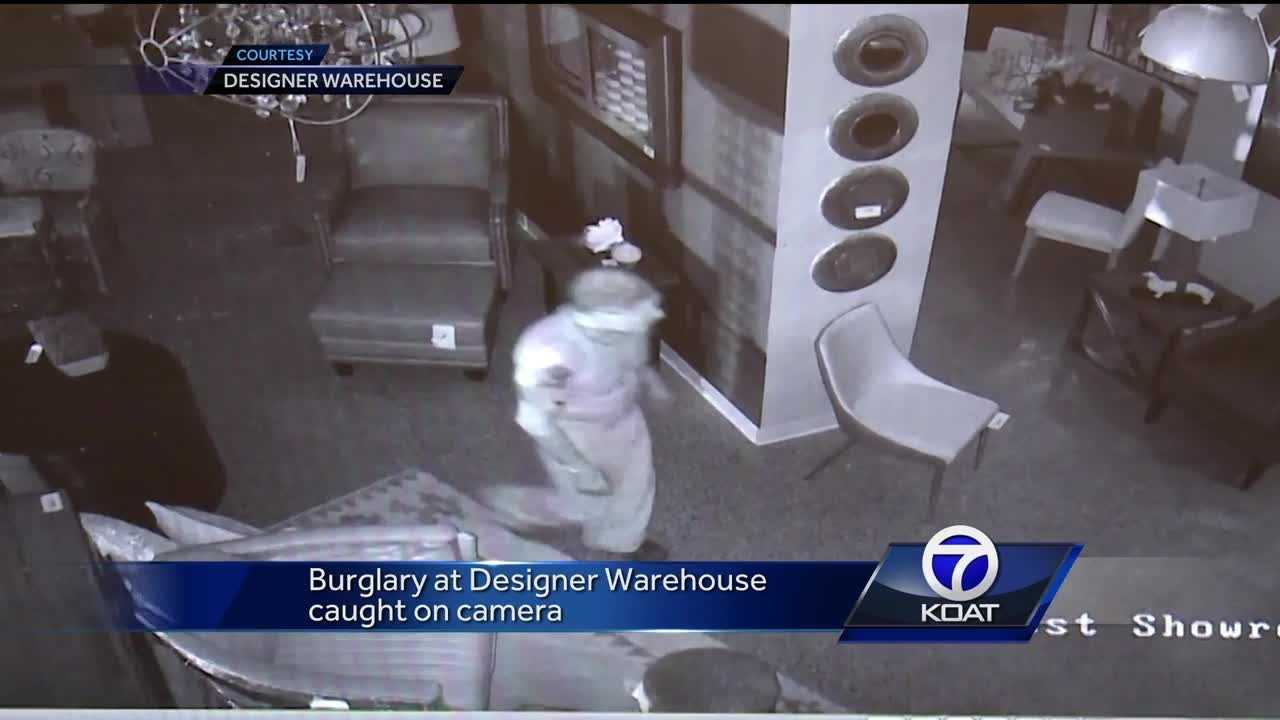 The Designer Warehouse says thieves took $8,000 to $9,000 worth of items.