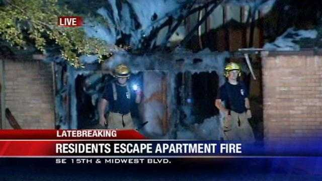 Midwest City apartment residents escape overnight blaze