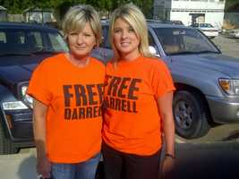 "Supporters of Darrell Williams wore ""Free Darrell"" t-shirts."