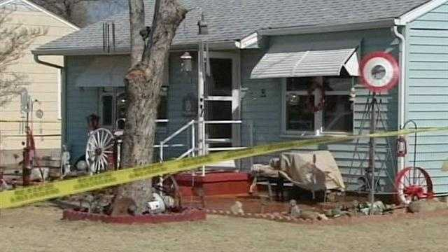 Authorities investigate deadly house fire in Norman