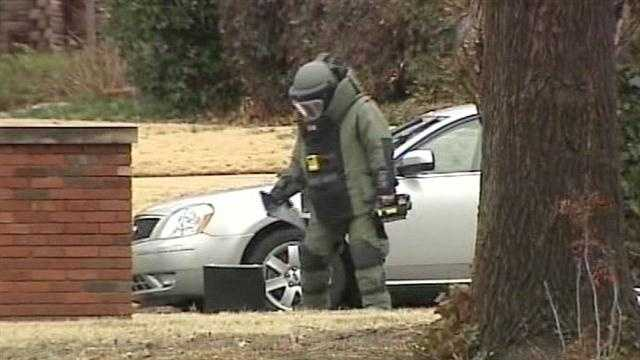 Oklahoma City bank robbery turns into bomb scare