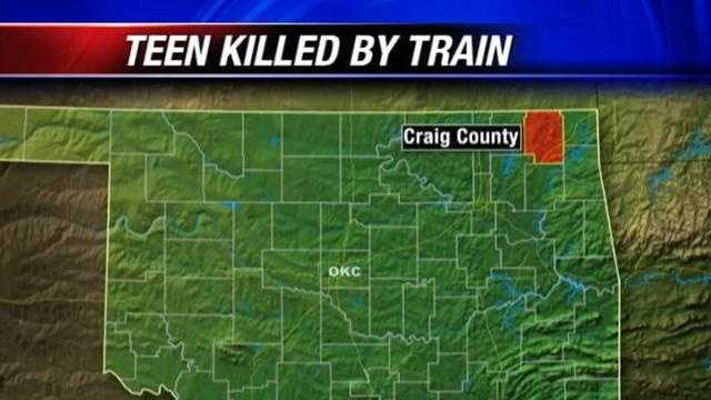 Teen hit and killed by train in Craig County