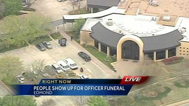 Memorial service held for Oklahoma City police officer