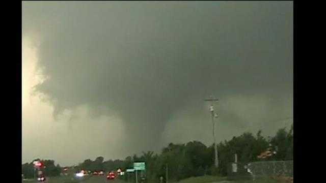Raw video: Shawnee, Okla., tornado