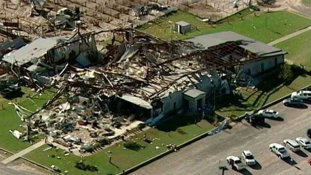 img-Gov Fallin will tour tornado damage