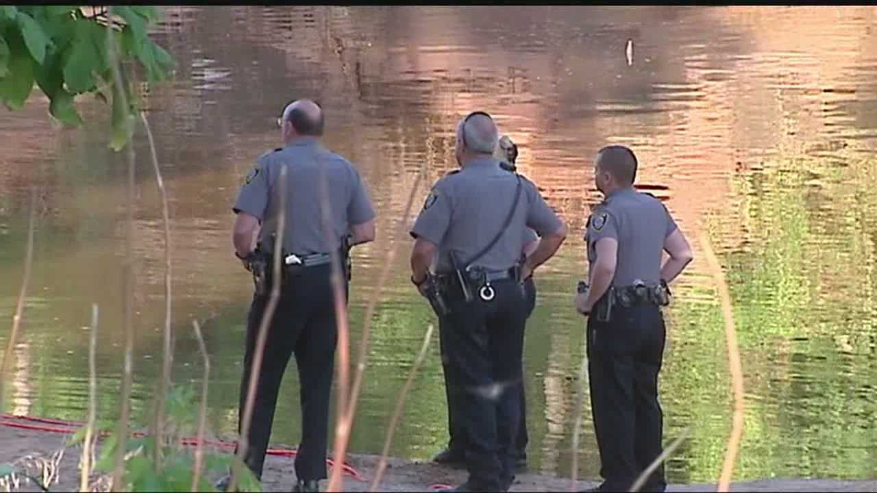 Crews search for man who disappeared while 'noodling'