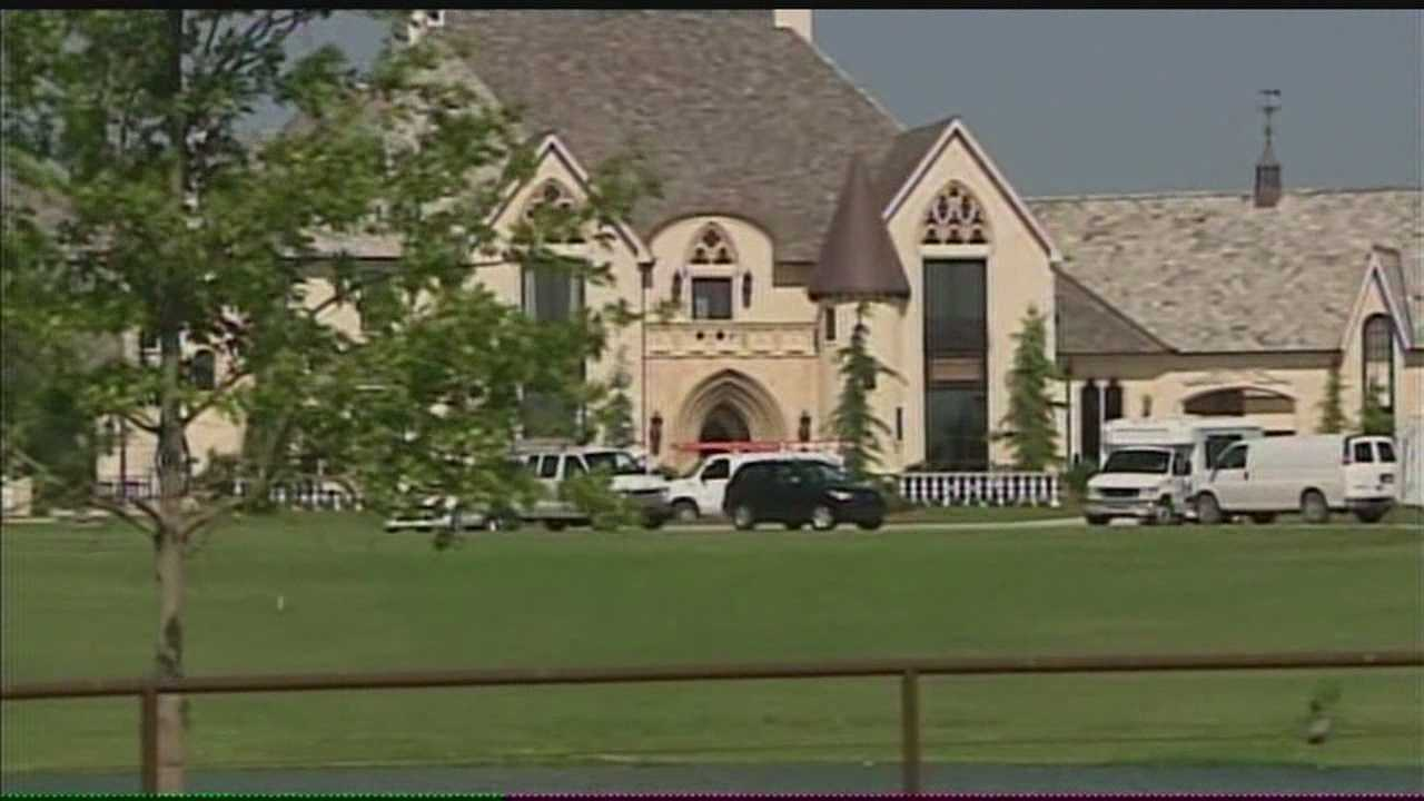 Police don't have any suspects just yet in a burglary at the home of Bob Stoops. Neighbors say the burglary will have them extra vigilant.