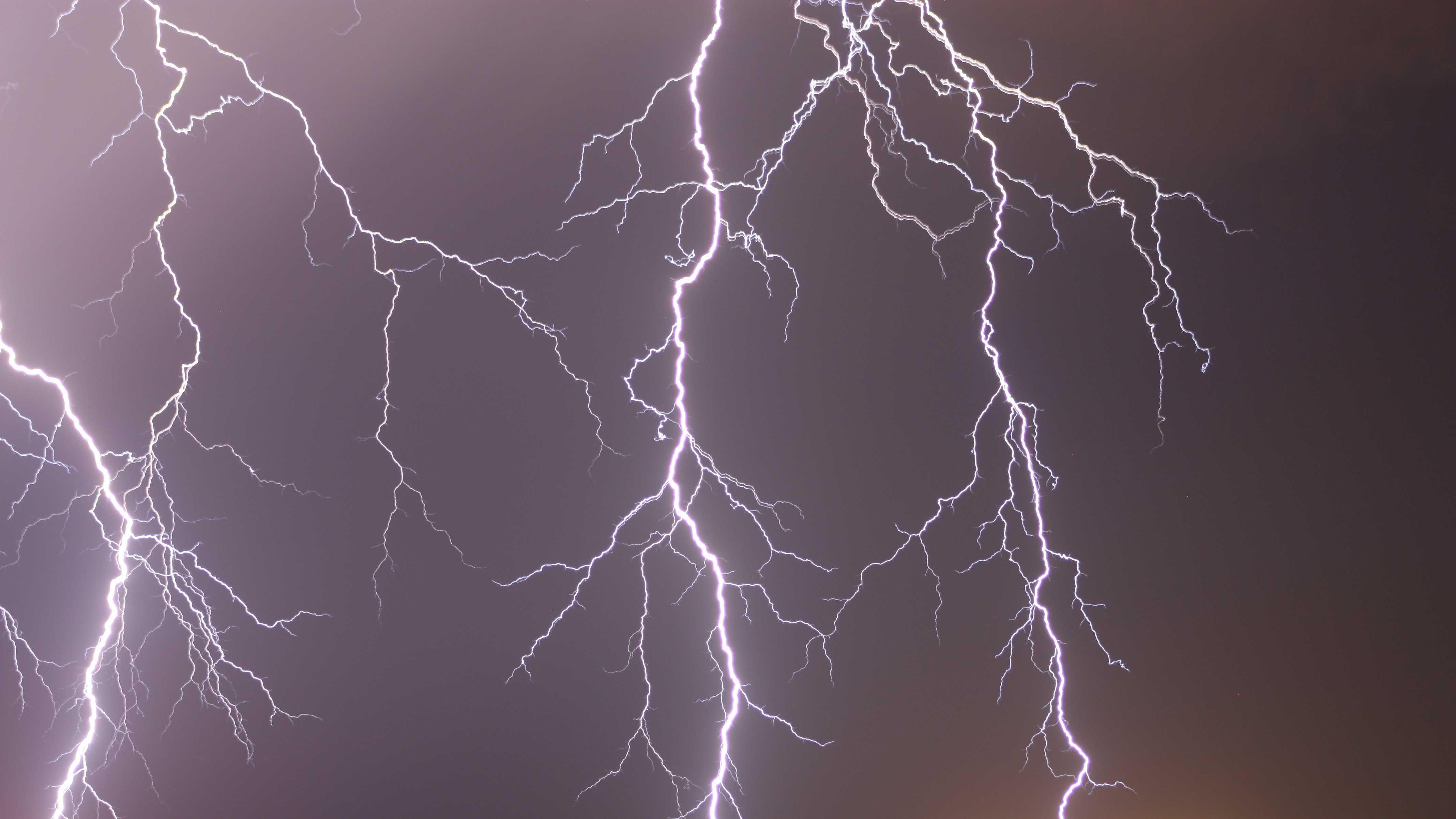 lightning ulocal.jpg