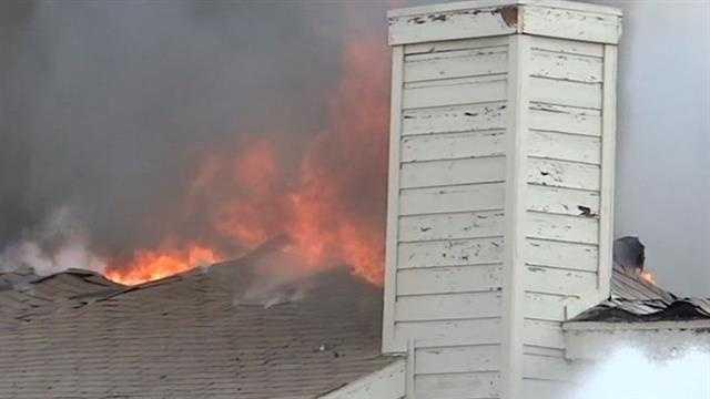 Teen narrowly escapes apartment fire