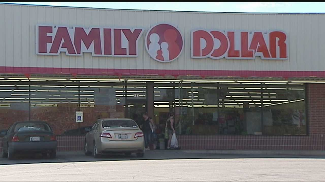 img-Mother daughter team up to rob Family Dollar 10P H