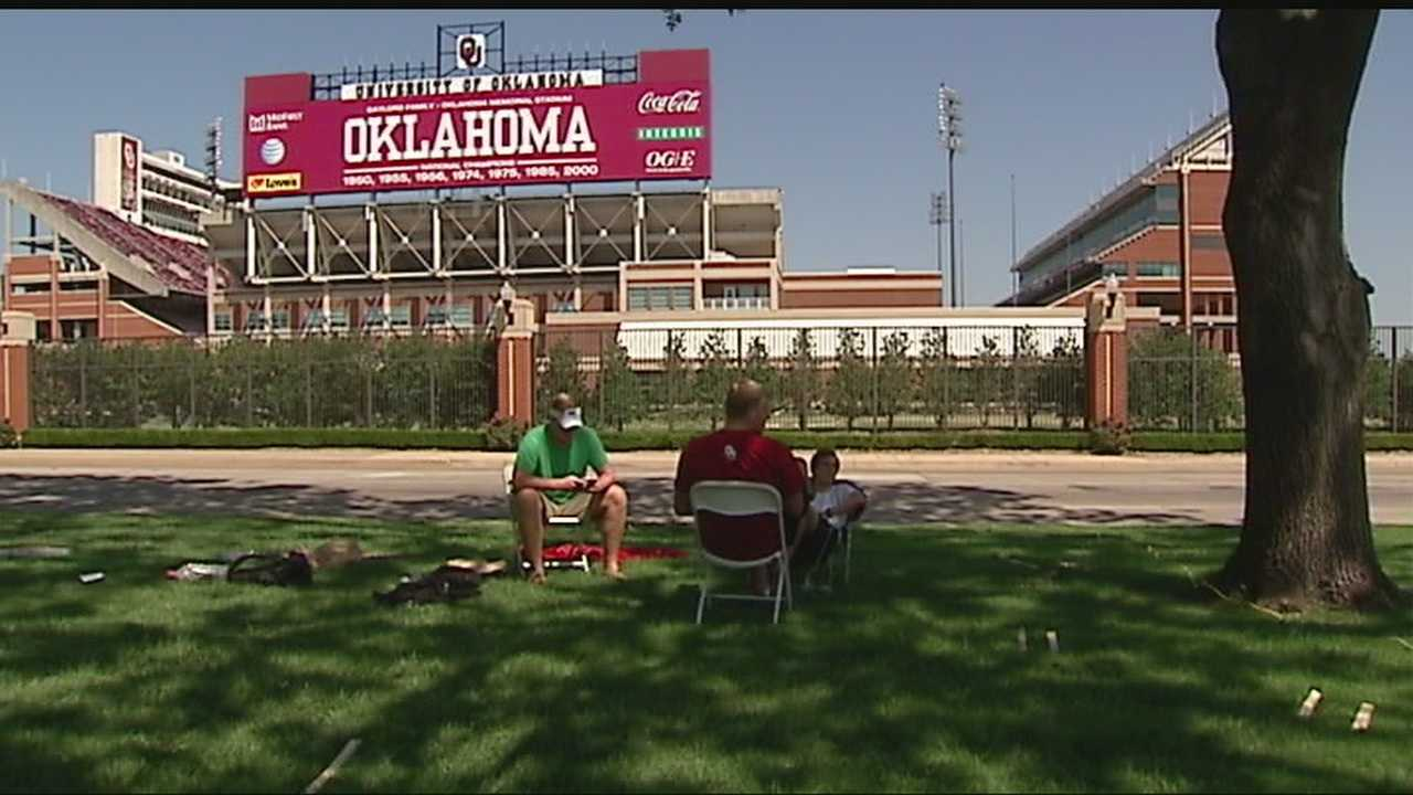img-OU officials prepare for weekend heat 6P H