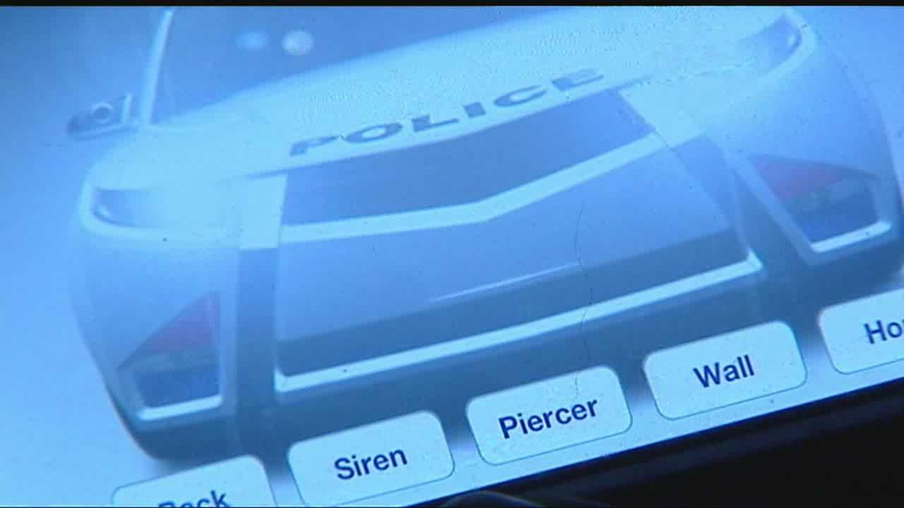 img-Police 2 use cellphone app to impersonate officer 5P H
