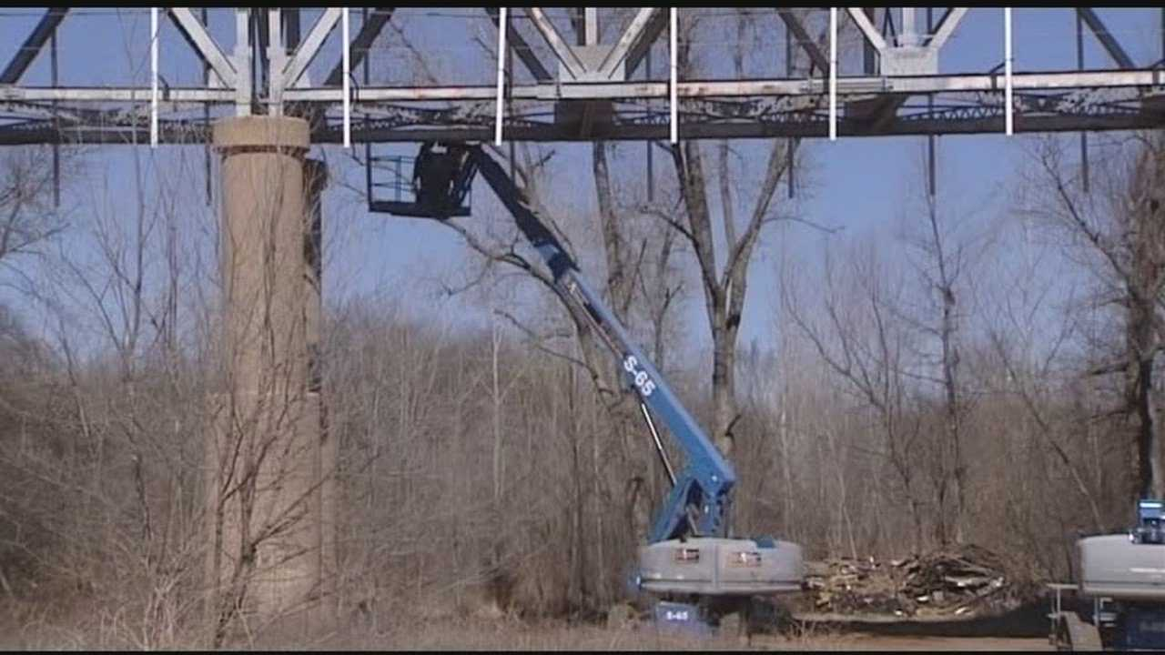 A company stands to lose a lot of money if they don't finish repairs to the bridge between Purcell and Lexington within its 45-day limit.