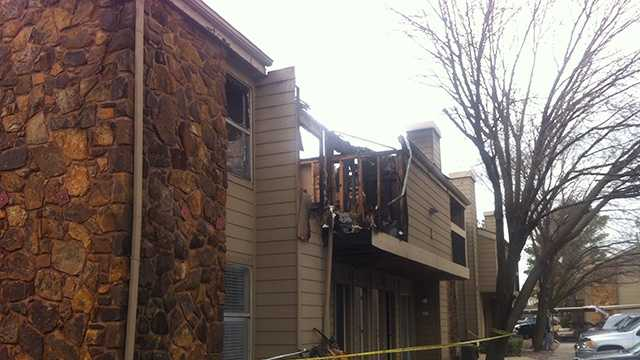 Fire displaces 13 in Oklahoma City