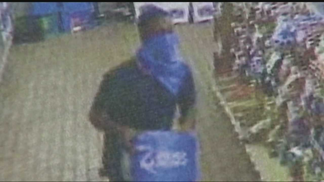 Selfie taking bandits rob Shawnee stores