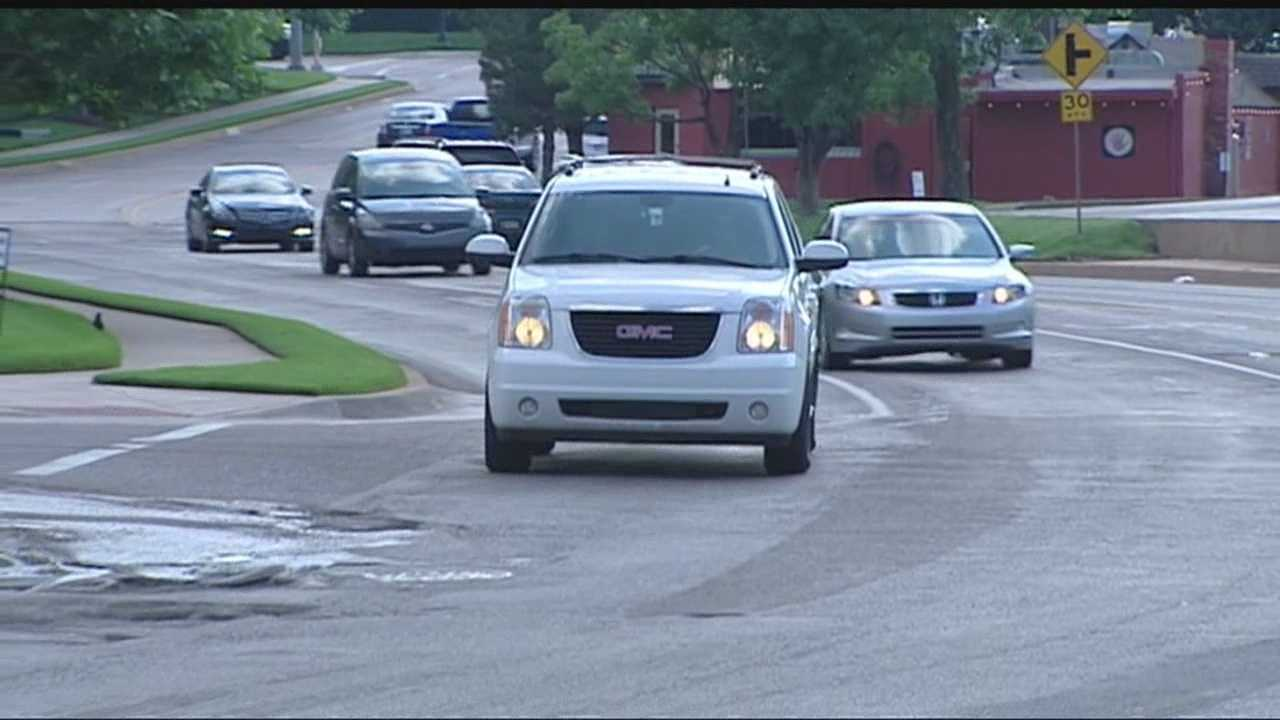 City crews work to solve pothole issues in Oklahoma City.