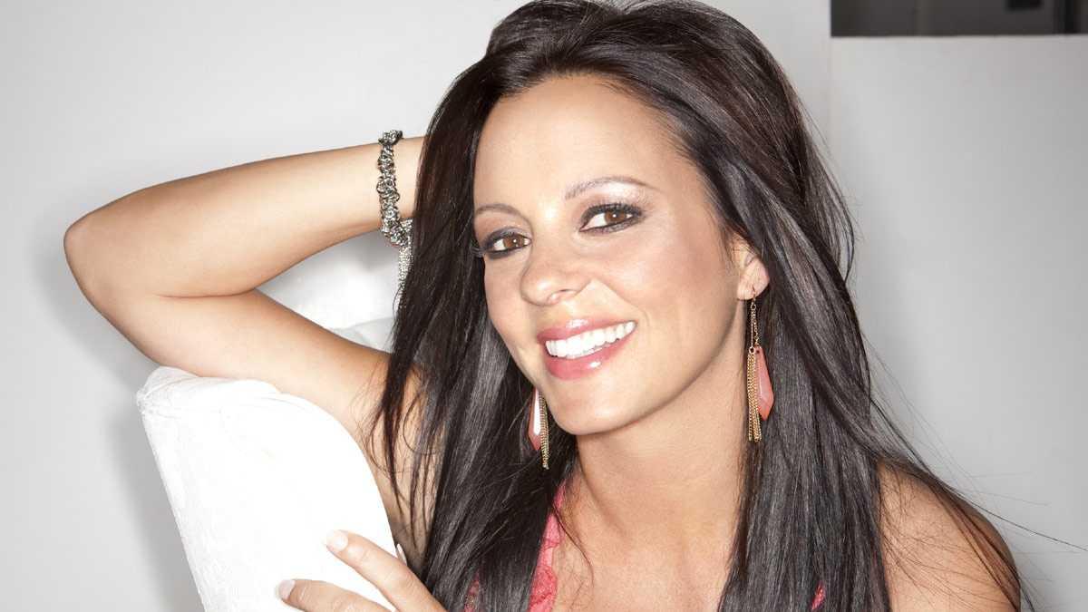 country divas - Sara Evans promo