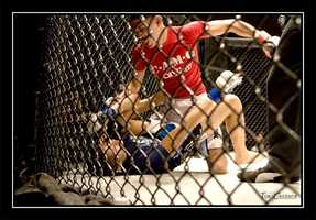 Showdown in Surftown had an impressive lineup of local amateur MMA fighters, many of whom train with world champion kickboxer Francis Farley at Farleys Kickboxing Academy in Santa Cruz.