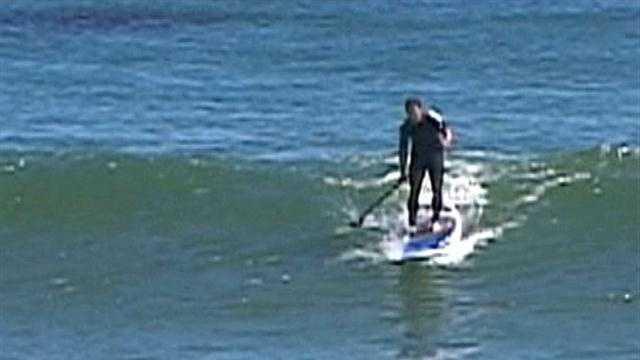 PADDLER BOARDER VS SURFERS