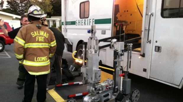 Bomb squad arrives at Monterey police station