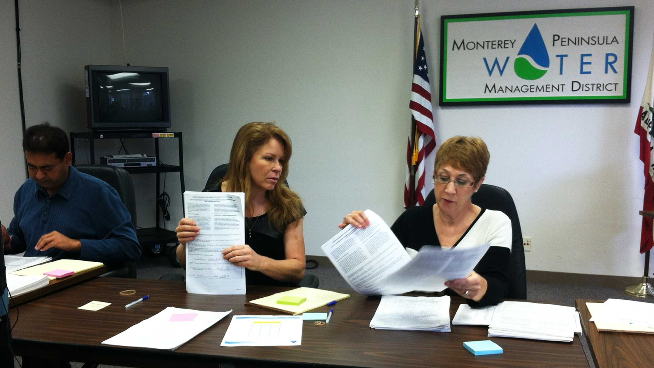The Monterey Peninsula Water Management District collects signatures from Public Water Now.
