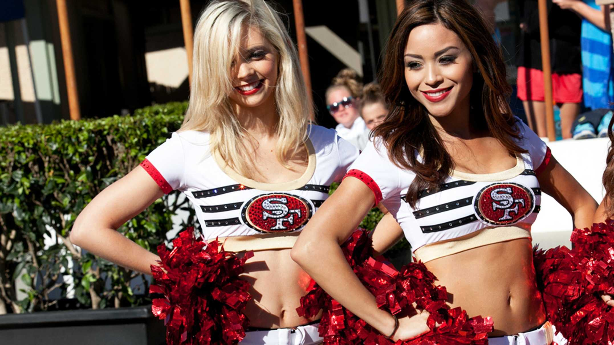 49er Gold Rush cheerleaders