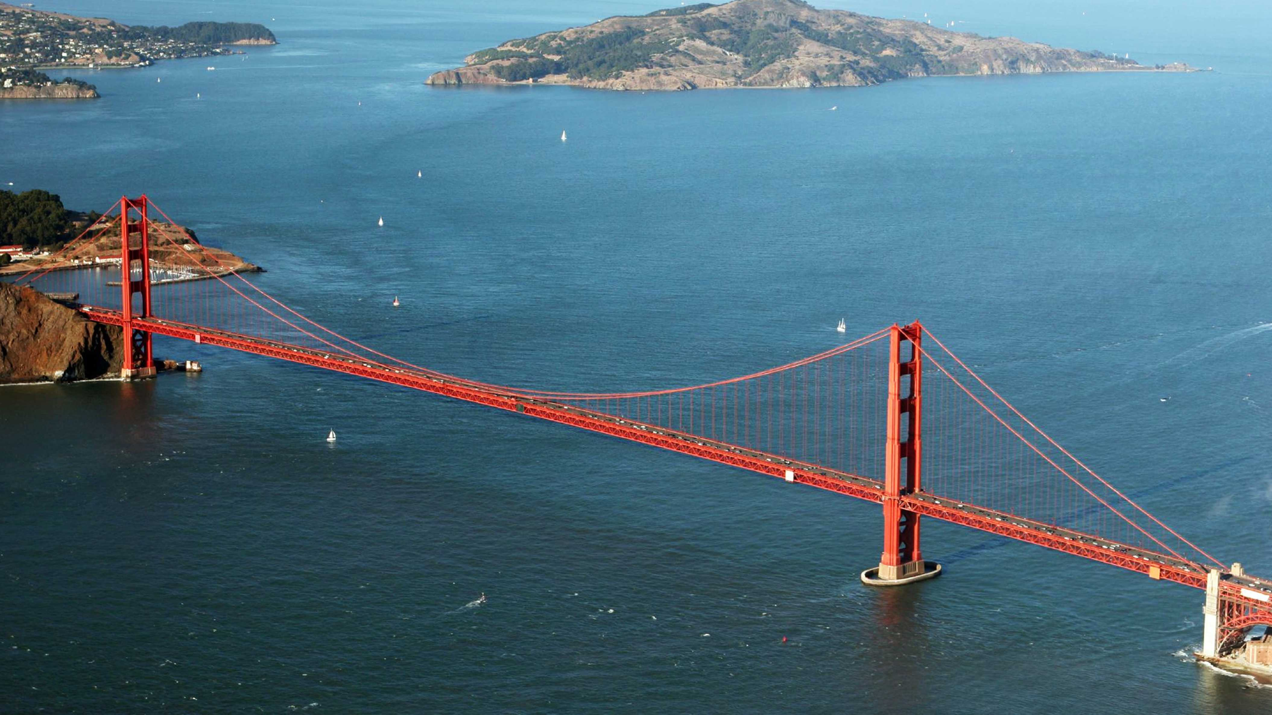 Golden_Gate_Bridge_Aerial.jpg