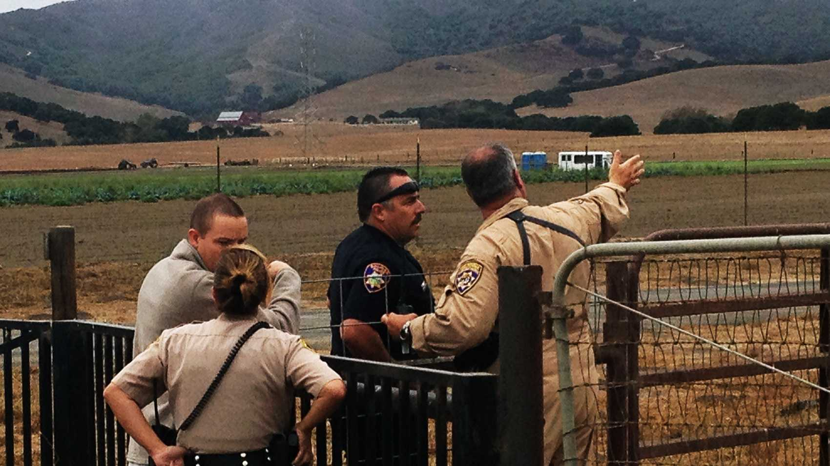 A manhunt happened Tuesday in the hills east of Chualar. (Aug. 19, 2014)