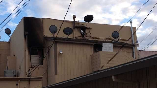 Apartment fire displaces more than 30 residents