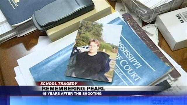 Pearl Shooting Look Back